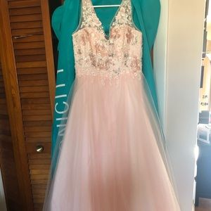 Dave and Johnny PROM Dress, size 1 / 2